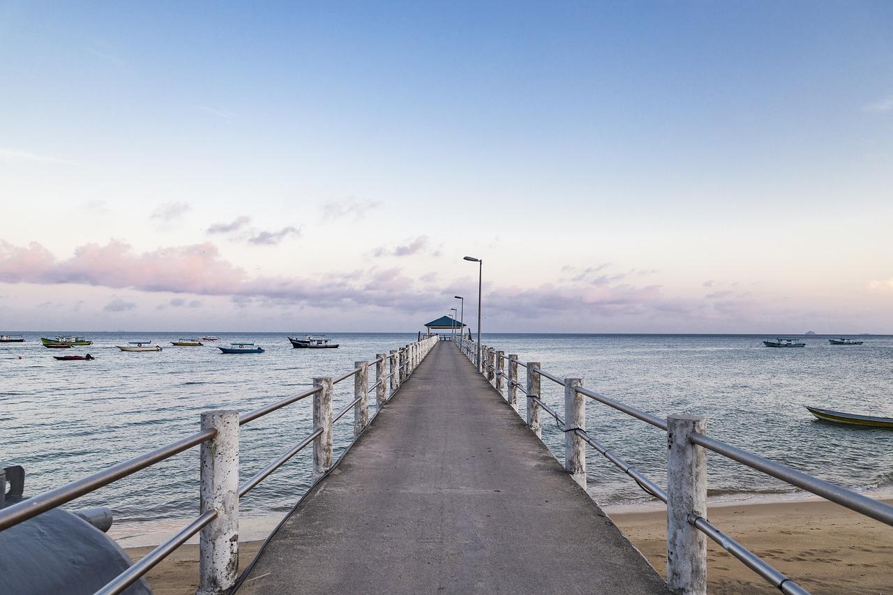 Jetty Sea and Sky_1280.jpg