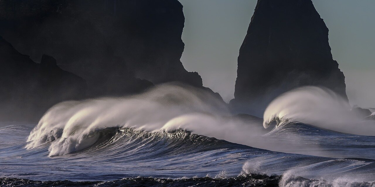 Pacific Coastline Waves_1280.jpg