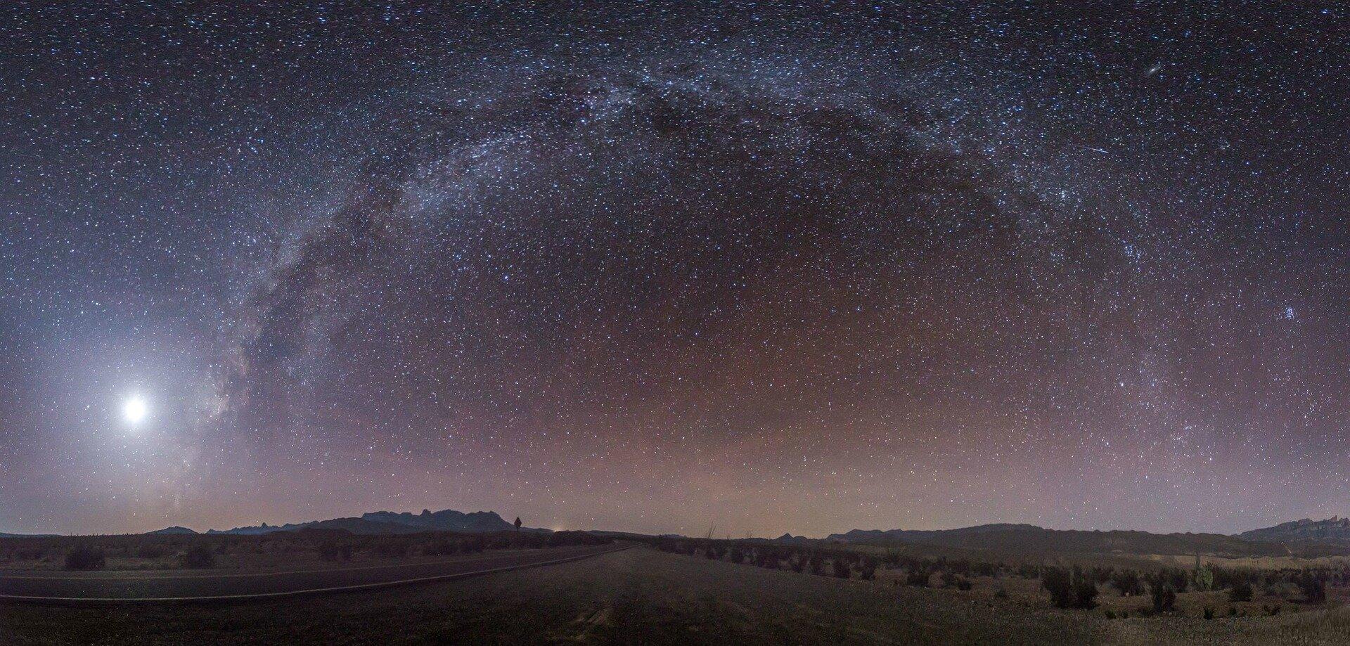 Full Arc of Milky Way_1920.jpg