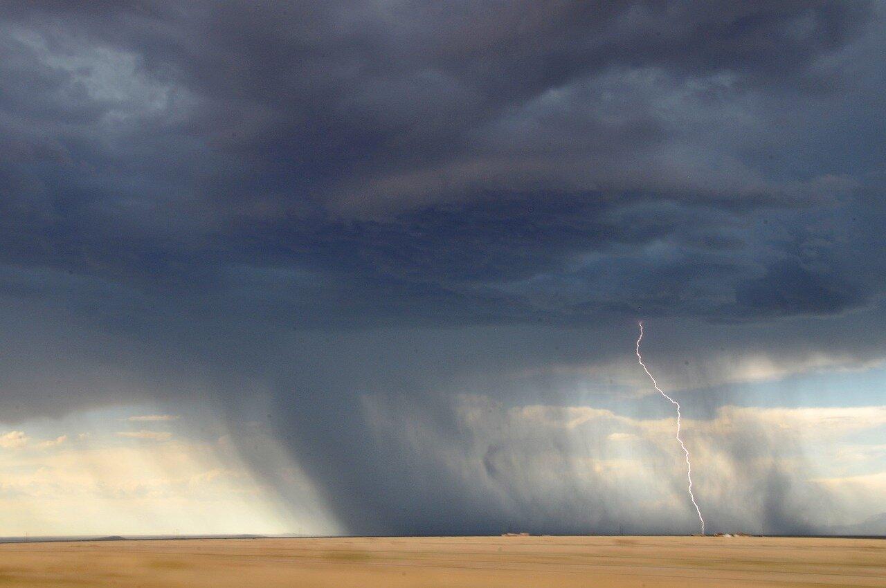 Rain and Lightning on Plains_1280.jpg