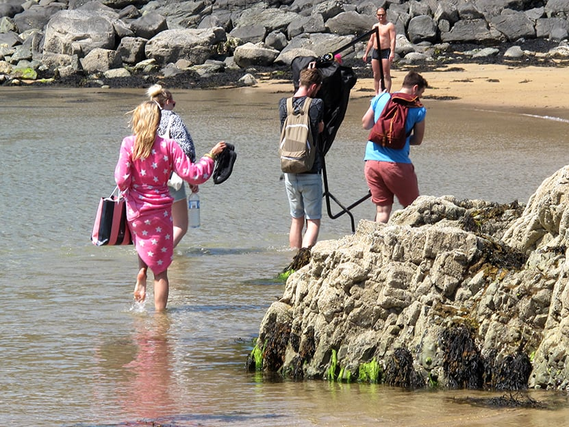 fashion-mungers escaping the tide.