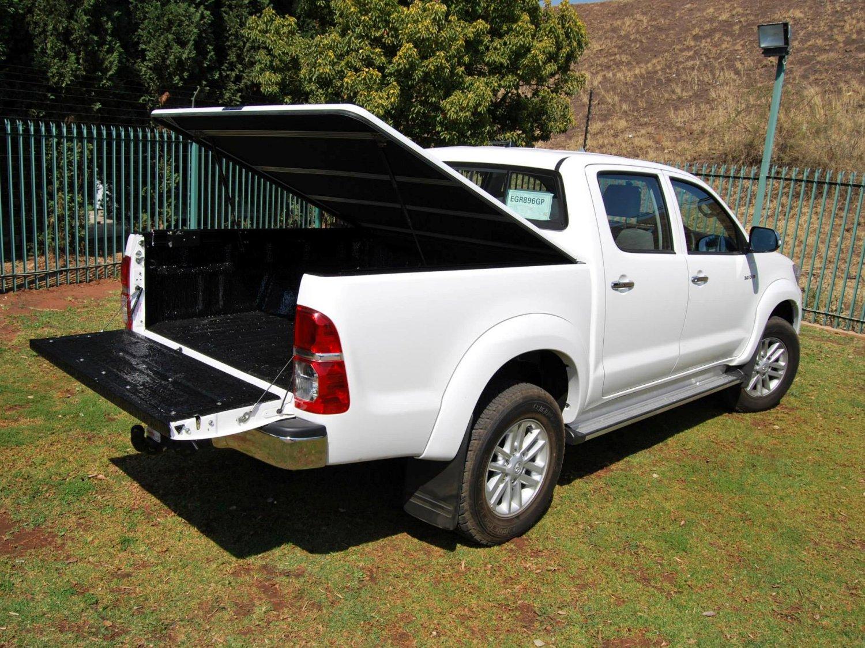 Rigidek Laderaumabdeckung - Toyota Hilux 2005 Double Cab 116.jpg