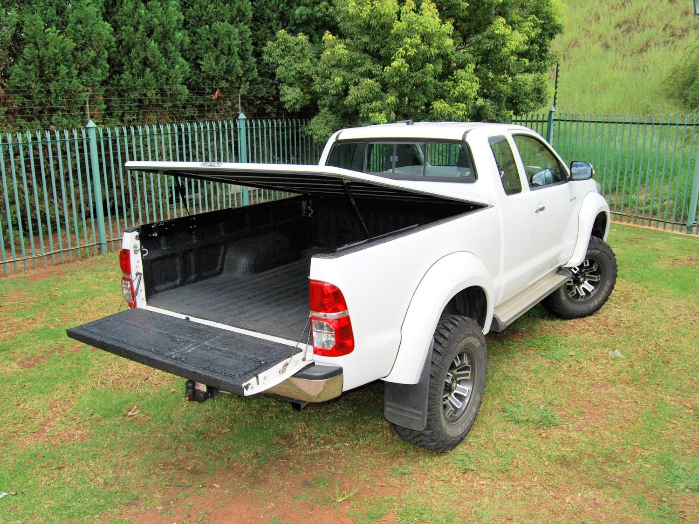 Rigidek Laderaumabdeckung - Toyota Hilux 2005 Extra Cab 127.jpg
