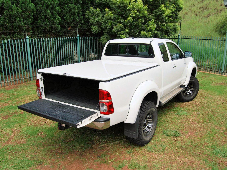 Rigidek Laderaumabdeckung - Toyota Hilux 2005 Extra Cab 126.jpg