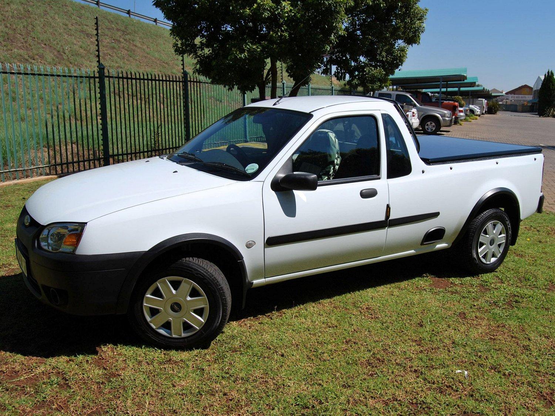 Rigidek Laderaumabdeckung - Ford Bantam 140.jpg
