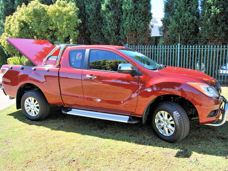 Rigidek Laderaumabdeckung - Mazda BT-50 2011 101.jpg