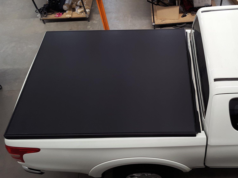 Rigidek Laderaumabdeckung - Mitsubishi L200 2016 Club Cab 100.jpg