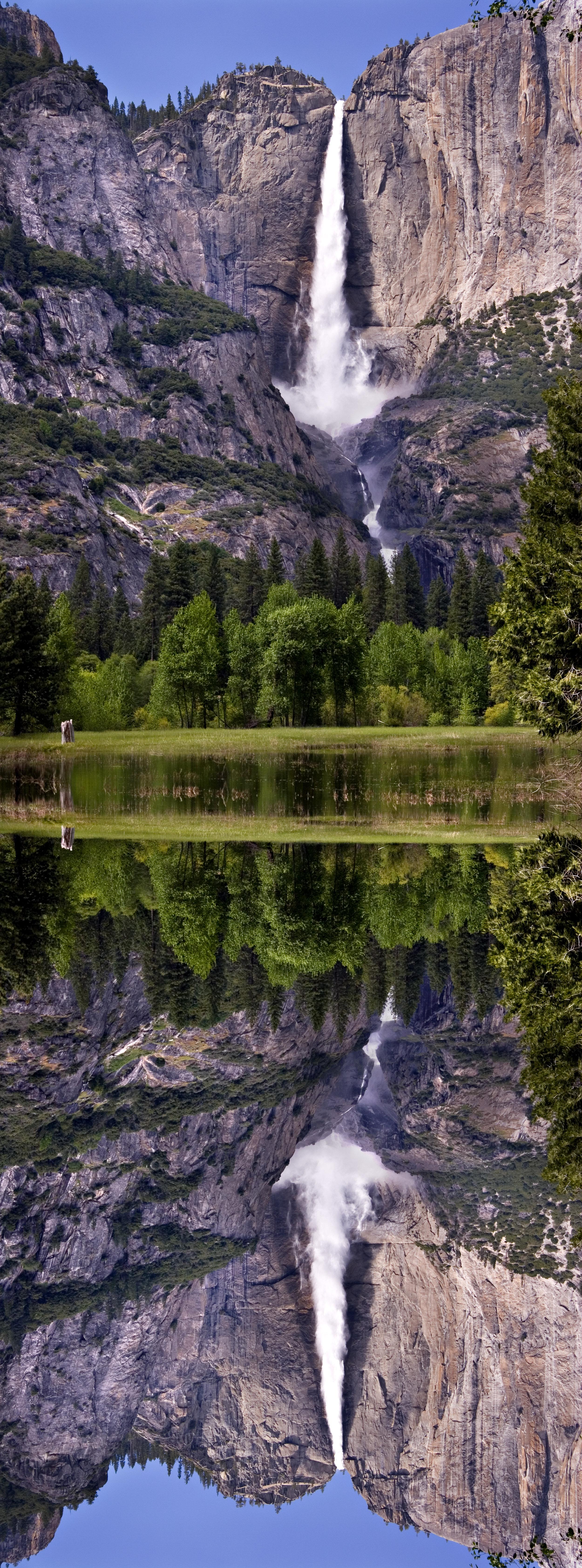 YosemitefallsB&Wmirror.jpg