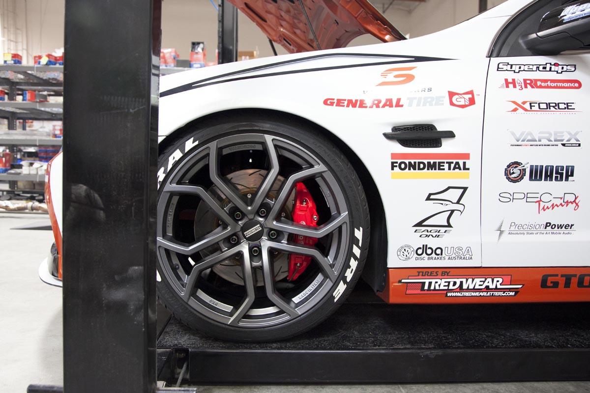 Pontiac-G8-GT-Holden-with-Fondmetal-9XR-Wheels-4