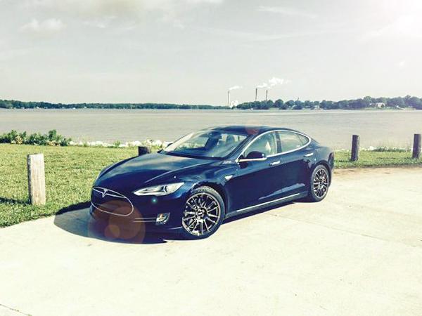 Tesla Fondmetal Wheels