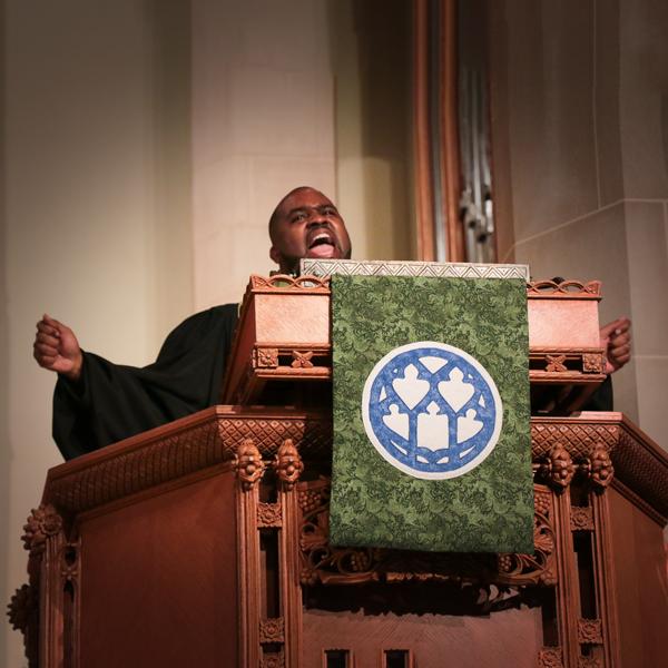 Darryl-Roberts Preaching.png