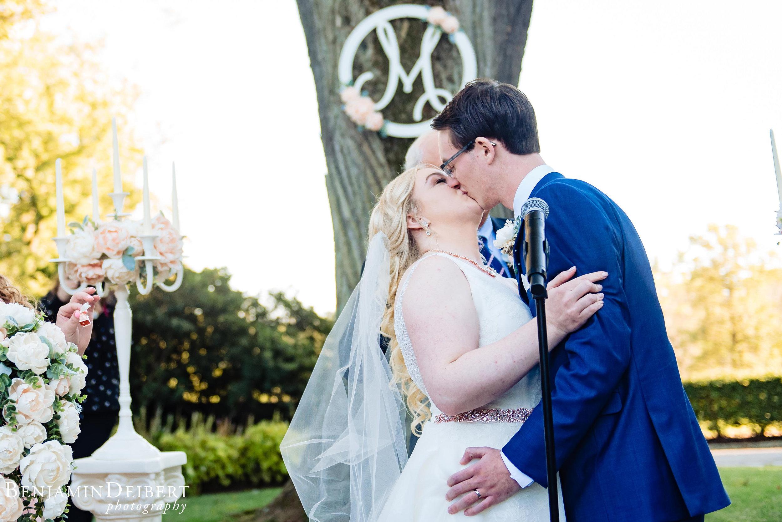 AshleyandDerrick_RadnorValleyCountryClub_Wedding-48.jpg