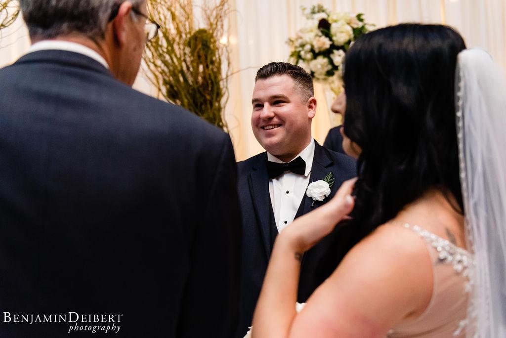 TomandMegan_BallroomattheBen_Wedding-28.jpg