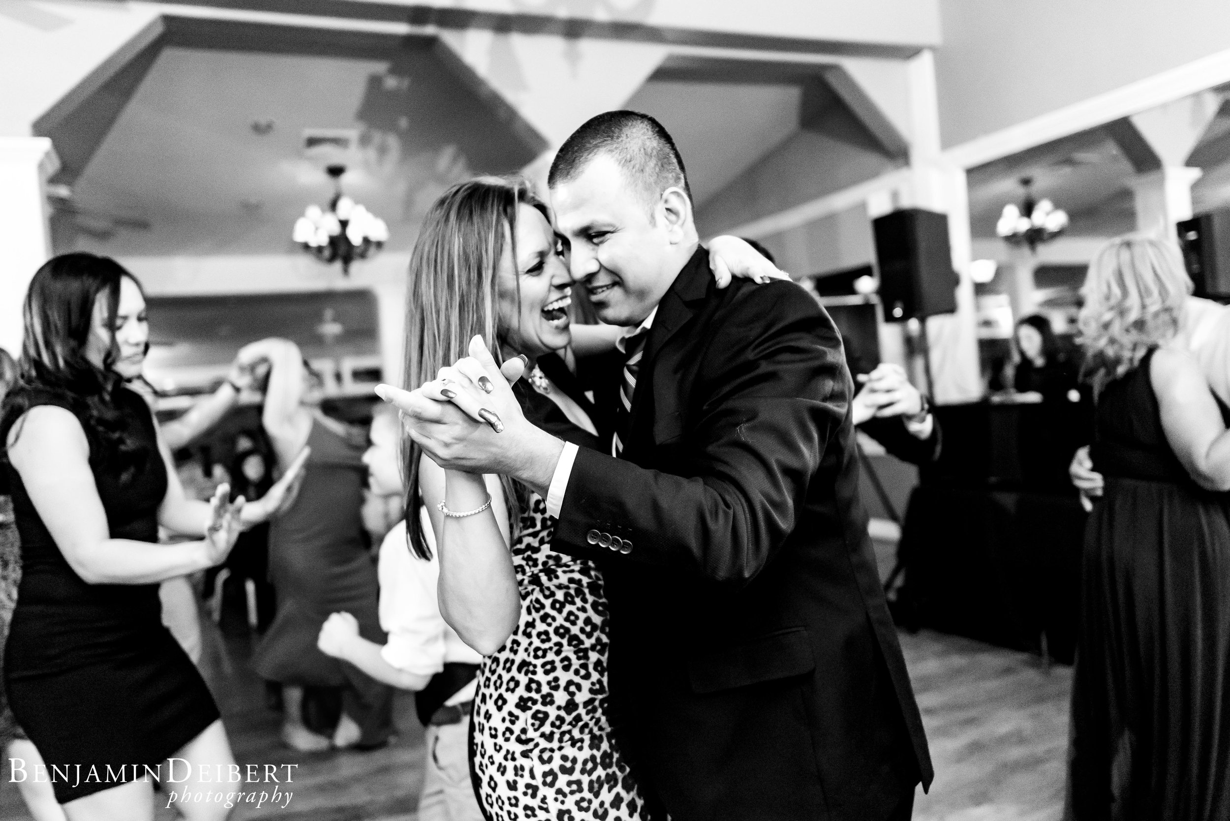 Jamie and Michael_Cameron Inn Estate_Wedding-119.jpg