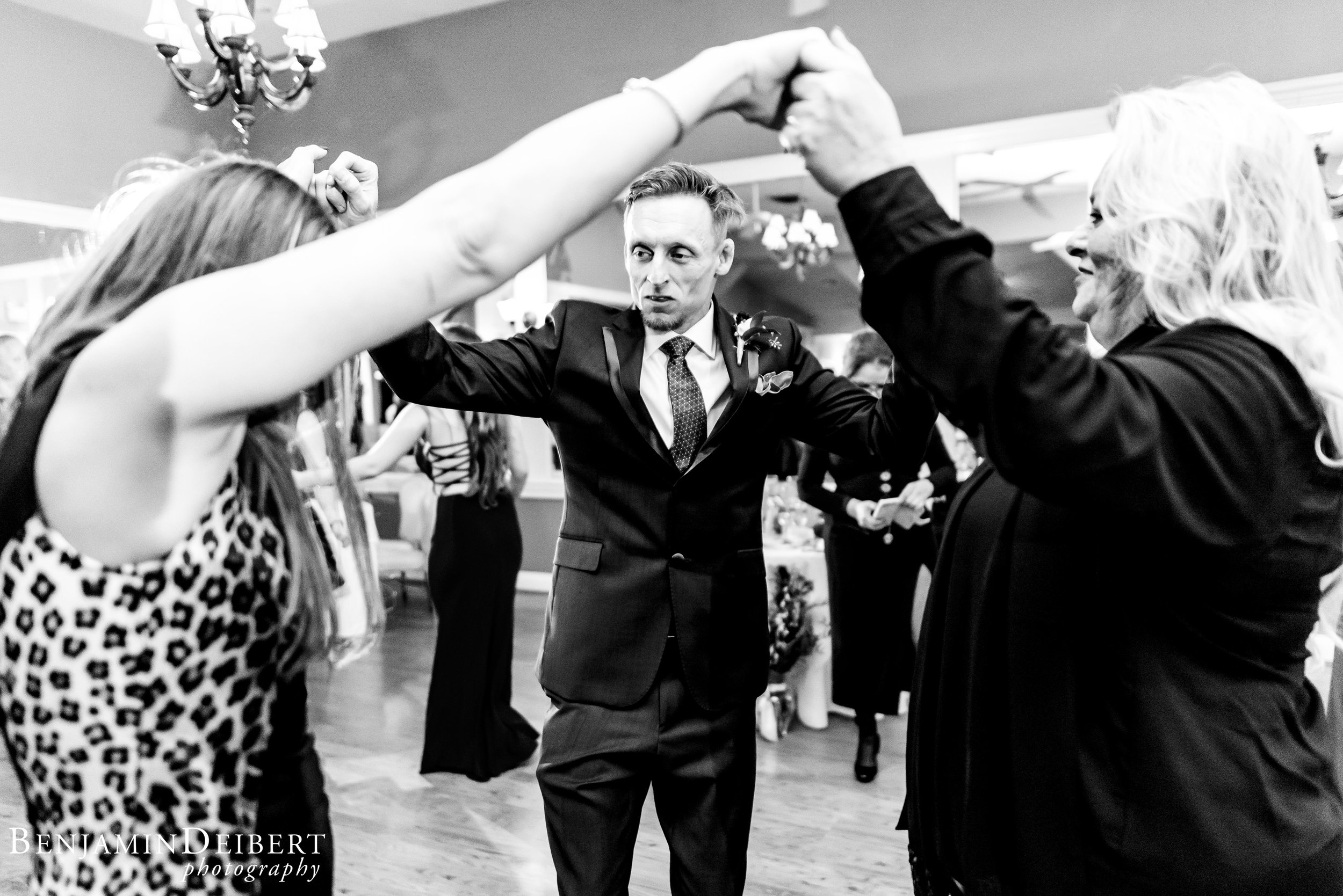 Jamie and Michael_Cameron Inn Estate_Wedding-140.jpg