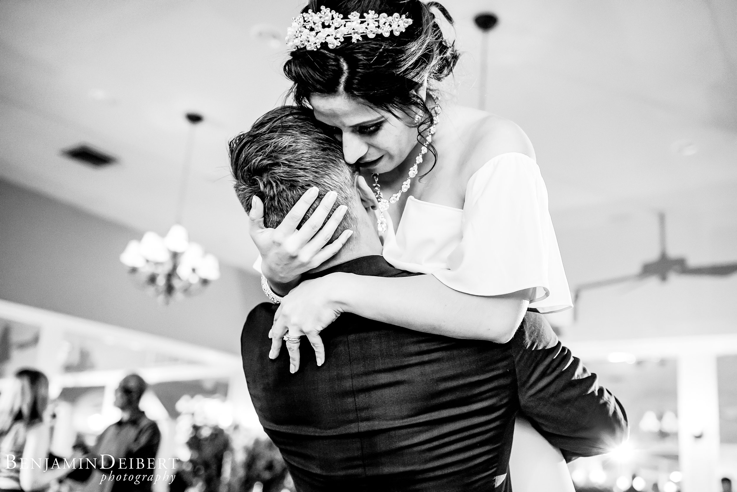 Jamie and Michael_Cameron Inn Estate_Wedding-124.jpg
