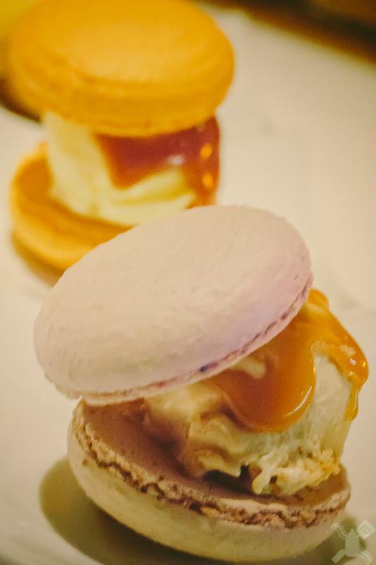 Amazing macaron ice cream!