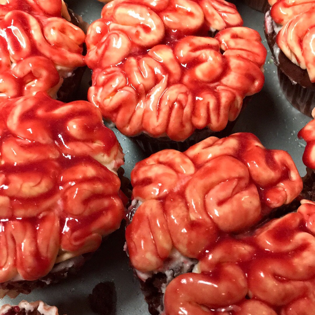 Red Velvet Cupcakes with raspberry puree, perfect BRAINS!