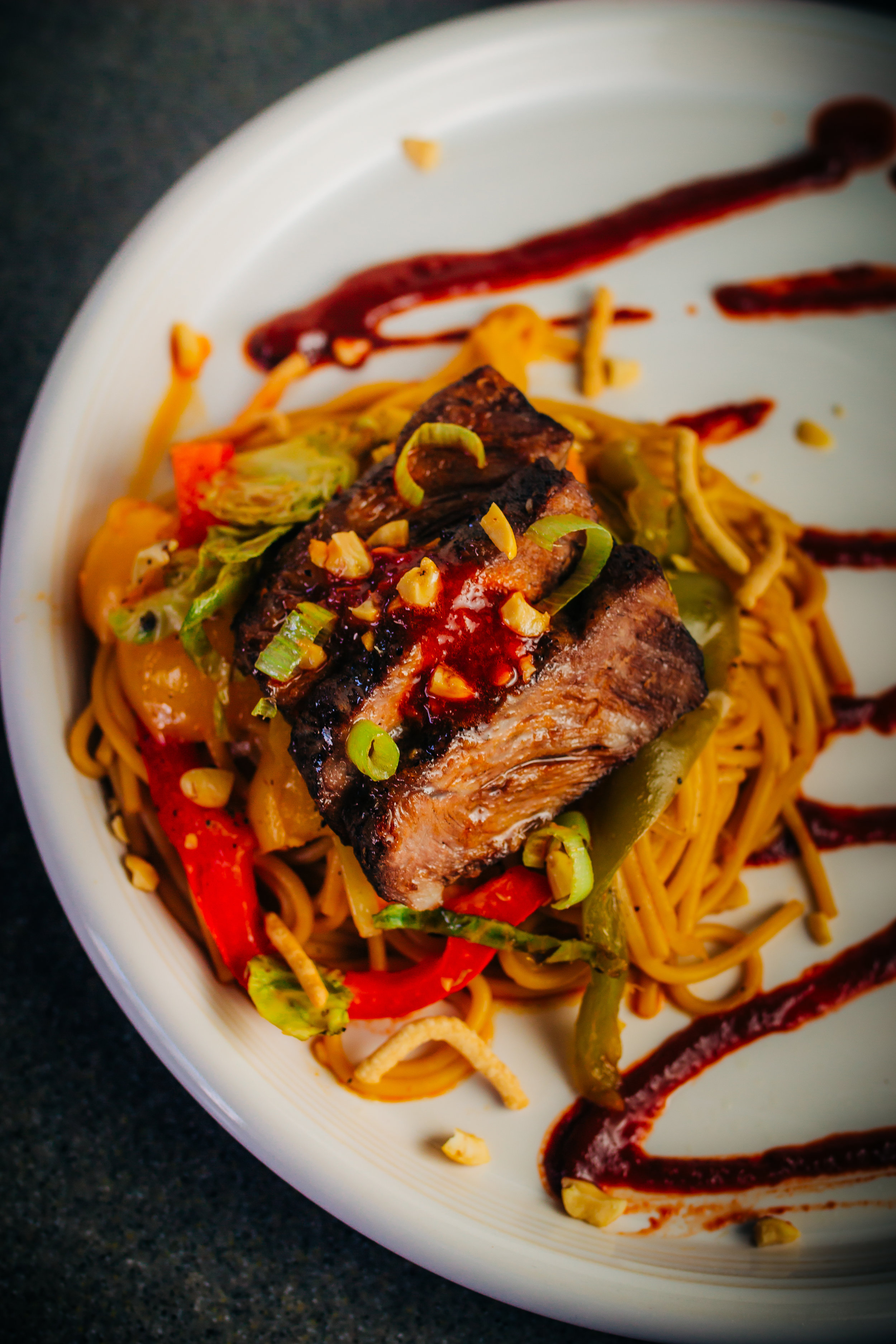 So instead of doing that, I wanted to mimic one of their best dishes - Chili Garlic Chow Mein.