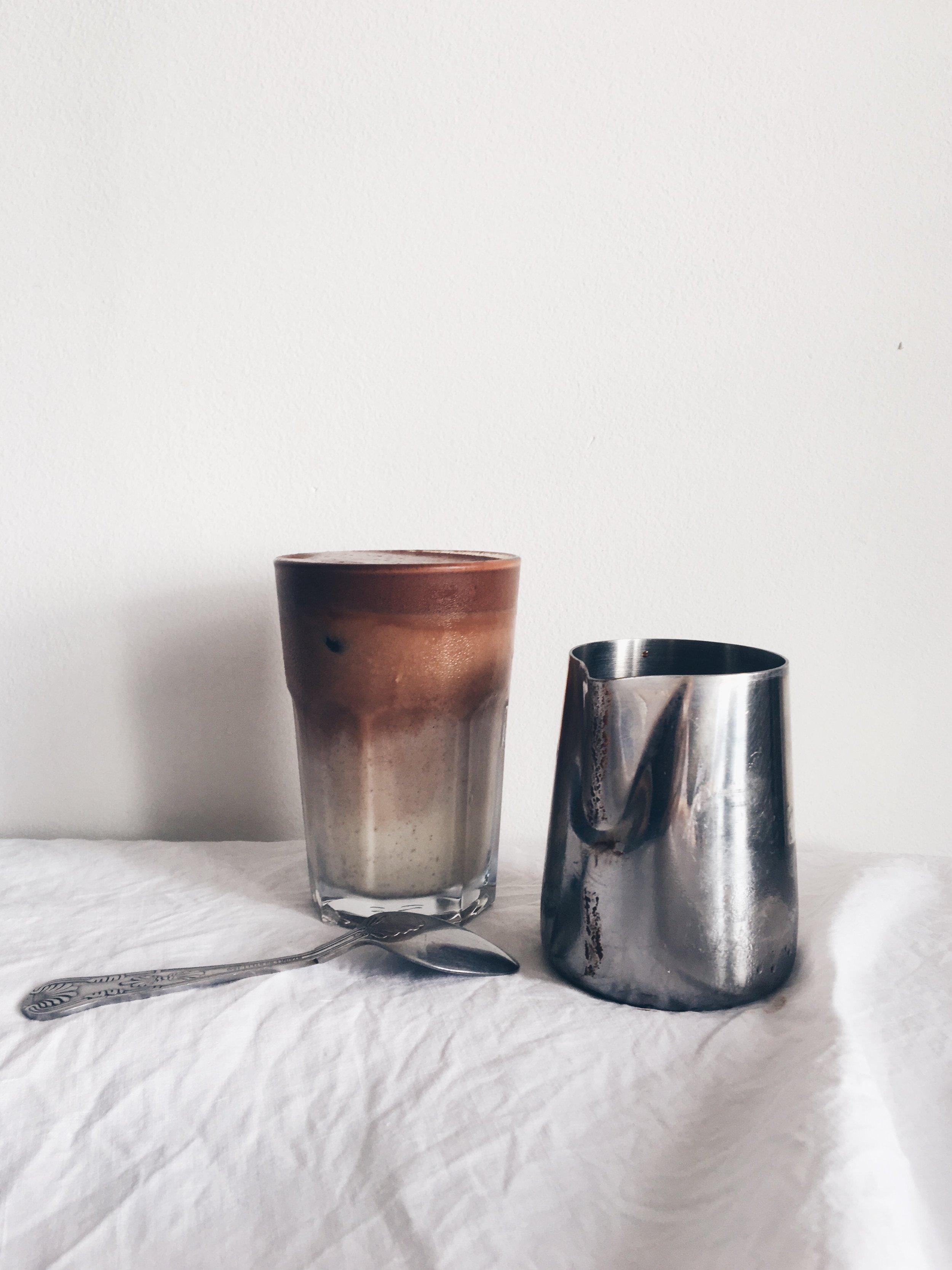 the endometriosis diet: vegan iced chocolate milk