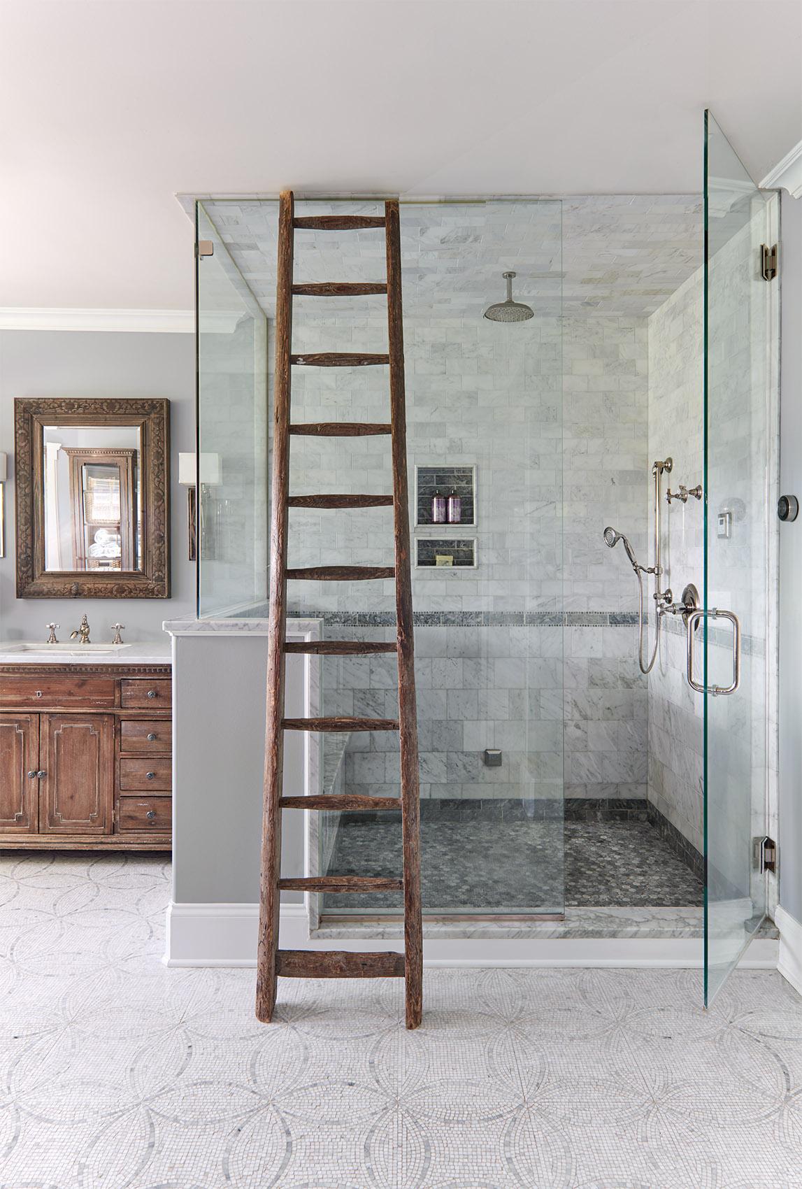 Shower (on).jpg