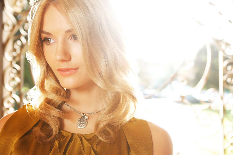 blonde_2.jpg