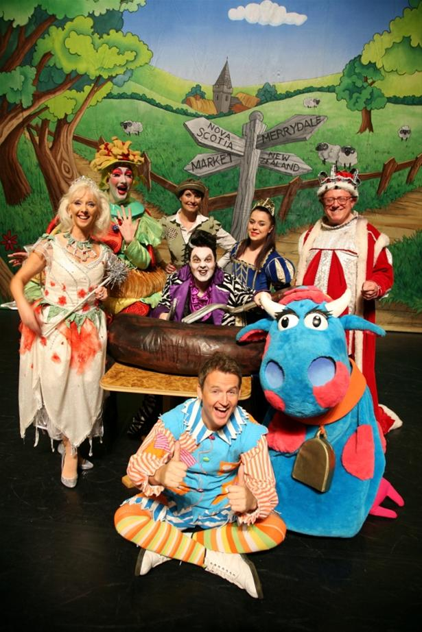 Cast of Jack and the Beanstalk, Hexagon Theatre, Reading, 2013