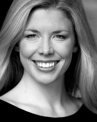 Tania Foley plays Queen Evilyn