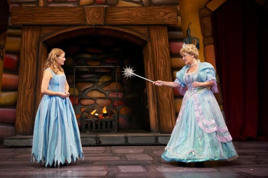 2012-Cinderella-190_new1.jpg