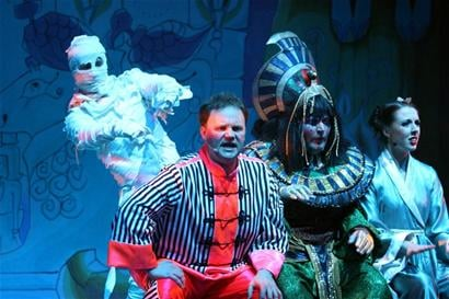 2011-Reading-Aladdin-237_new1.jpg
