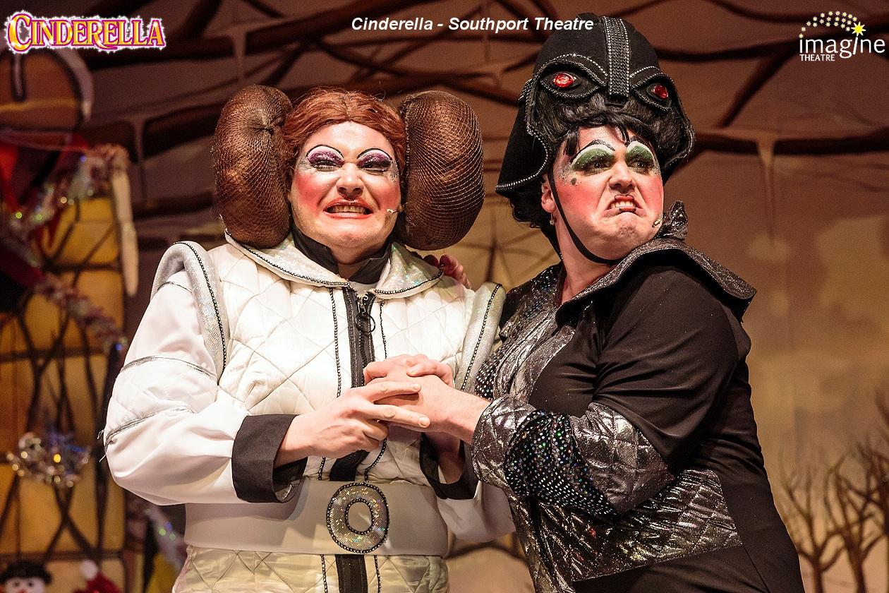 Southport Cinderella 2 6D-4595 6x4 sharp.jpg