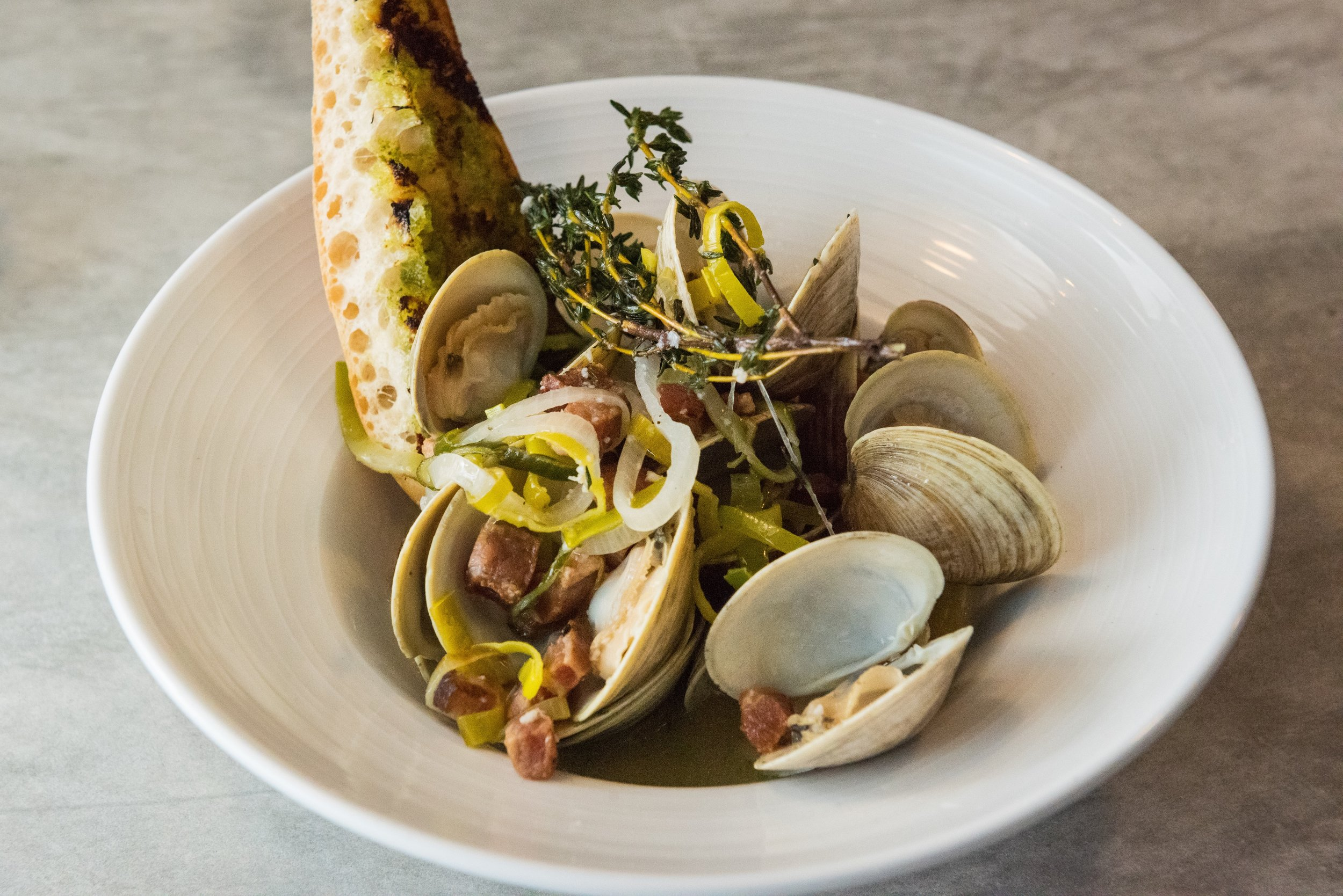 1/2 Dozen Middleneck Clams available in Raw Bar at Thirsty Mermaid