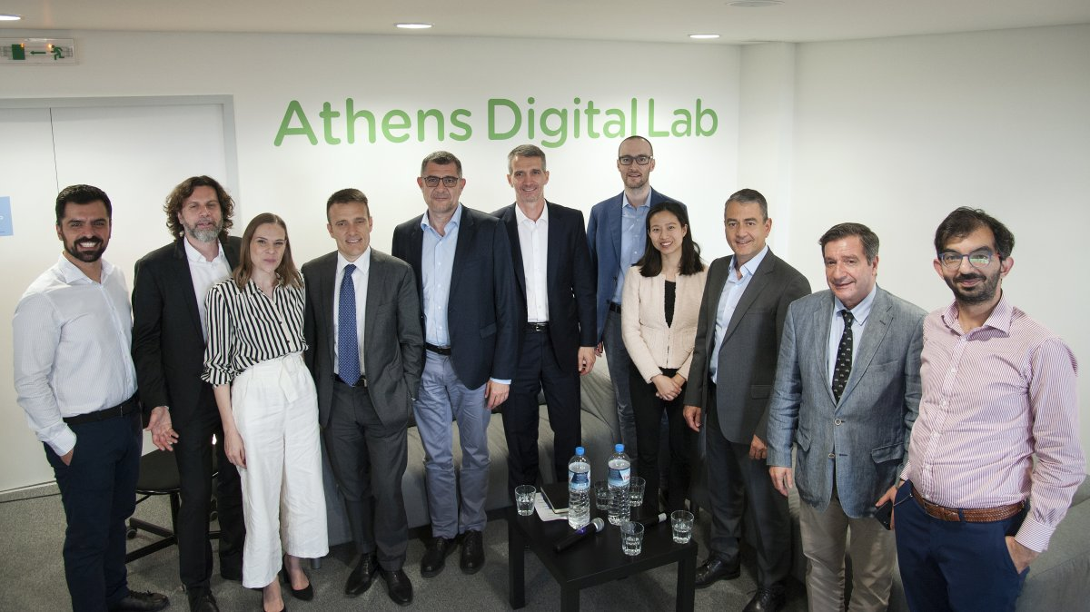 The Athens Digital Lab is coordinated for the City of Athens by the Athens Partnership, based on an exclusive grant by the Stavros Niarchos Foundation, with the partnership of Cosmote and Nokia.
