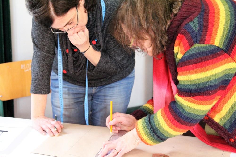 Εργαστήριο ραπτικής στα Ανοιχτά Σχολεία.