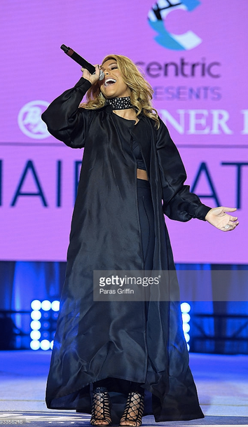 American singing sensation  Tamar Braxton-Herbert  the star of the TV show  Braxton Family Values  is performing live for the Cameras while wearing a gorgeous choker by our British designer  Felice Art Couture .  Fashion Provided By  #IvanBittonStyleHouse