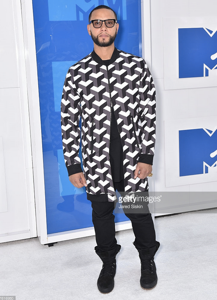 WINNER ALERT!  MTV VMA  ' s 2016 best video director    Director X  for  Drake  s video  #HotLineBling  and also nominated for  Rihanna 's 'Work' video wearing a fantastic Jacket by our Hungarian designer  Sandor Lakatos menswear  menswear.  Styled by  Marcus Clark   Fashion Provided By  #IvanBittonStyleHouse