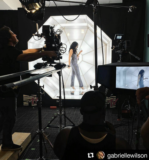 Behind the Scenes with the beautiful  MTV 's star presenter  Gaby Wilson  wearing a gorgeous Sequin Jumpsuit by our German Designer  Anya Liesnik . Styled By our Friend at  MTV   #TyTurner .  Fashion Provided By  #IvanBittonStyleHouse