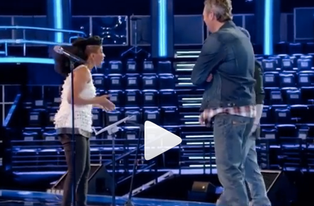 WATCH! American superstars  Garth Brooks  and  Blake Shelton , judges on  The Voice  on  NBC  mentoring America's favorite contestant  Courtney Harrell  live on stage while featuring a top from our Dubai Designer  Shefali Couture . Styled by  #TeamBitton   Aaron Gomez  .Fashion Provided By  #IvanBittonStyleHouse   WATCH HERE:  https://www.instagram.com/p/BOAtmbzB_b9/…