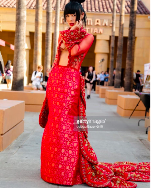 Spotted! Chinese American superstar  @realbailing  flaunting her beautiful dress by our designer from Bangladesh  @zoanash  styled by  #teambitton   @leisastylediva  Fashion Provided by  #ivanbittonstylehouse