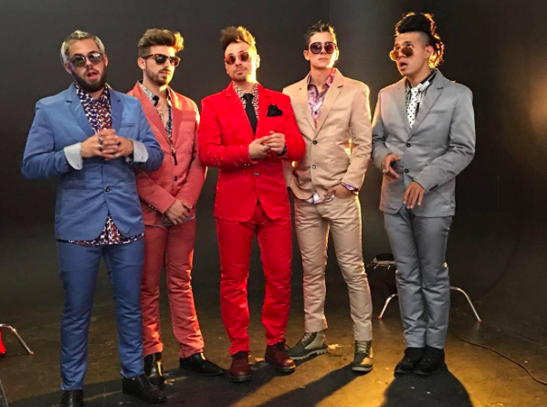 Behind the scenes 📸 with pop sensation band  @los5music looking super dope posing for the pages of  @mwmagofficial wearing our designers ✨ @barabas_men and our British shoe makers Doctor Martens  @drmartensofficial styled by  @leisastylediva fashion provided by  #ivanbittonstylehouse glam by  @michaelvincentacademy & @hairbyjennifermelissabaker  #ootd  #celebrity  #celebrity  #cover  #magazine  #style  #pop  #singers