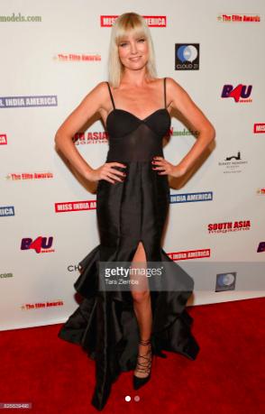 Actress/super model  @eugeniakuzmina looking super glam at the Elite Awards red carpet wearing our designers ✨ @nicolebakti fashion provided by  #ivanbittonstylehouse  #ootd  #style  #fashiondesigner  #celebrity  #modelmoms