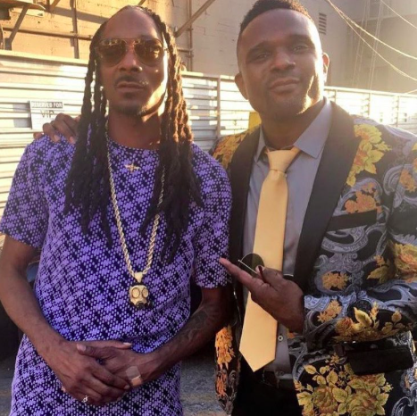 Spotted! American Film and Tv star  @dariusmccrary looking extra handsome with the iconic  @snoopdogg wearing our designer  @barabas_men . Styled by  #teambitton  @leisastylediva Fashion Provided by  #ivanbittonstylehouse