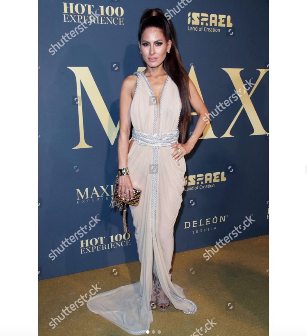 Spotted! Gorgeous hollywood tv and radio presenter icon and daughter of legendary radio host  #caseykasem  strikes the  @maximmag  #hot100  red carpet wearing our designers  @deviantlavie   @laureldewitt  @sambacjewelry  styled by  @leisastylediva fashion provided by  #ivanbittonstylehouse