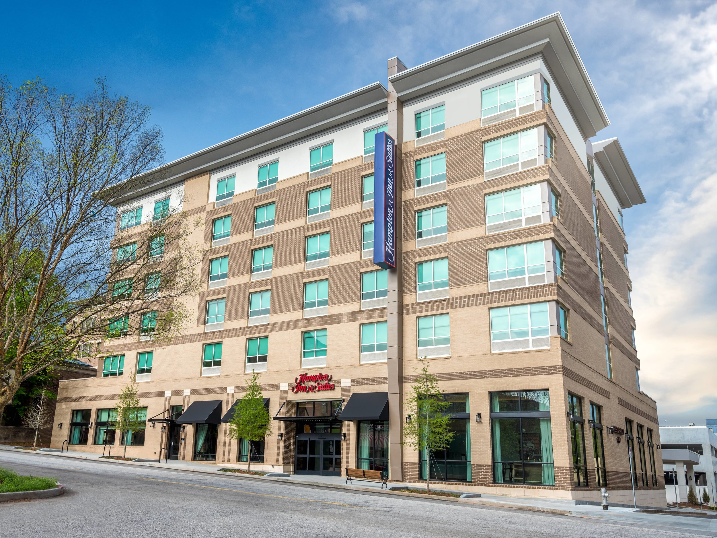 Hampton_Inn_Decatur_01-min.jpg