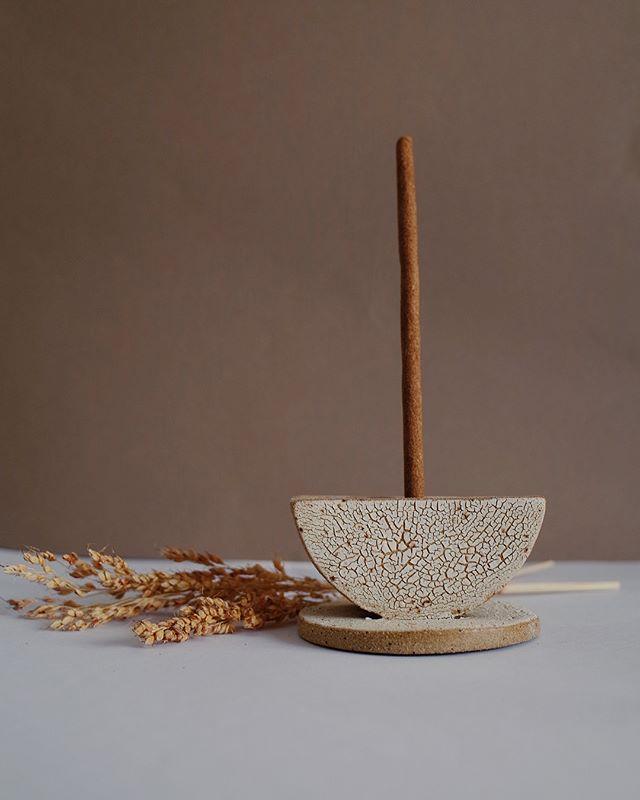 023 〰️ calico clay, white crawl glaze