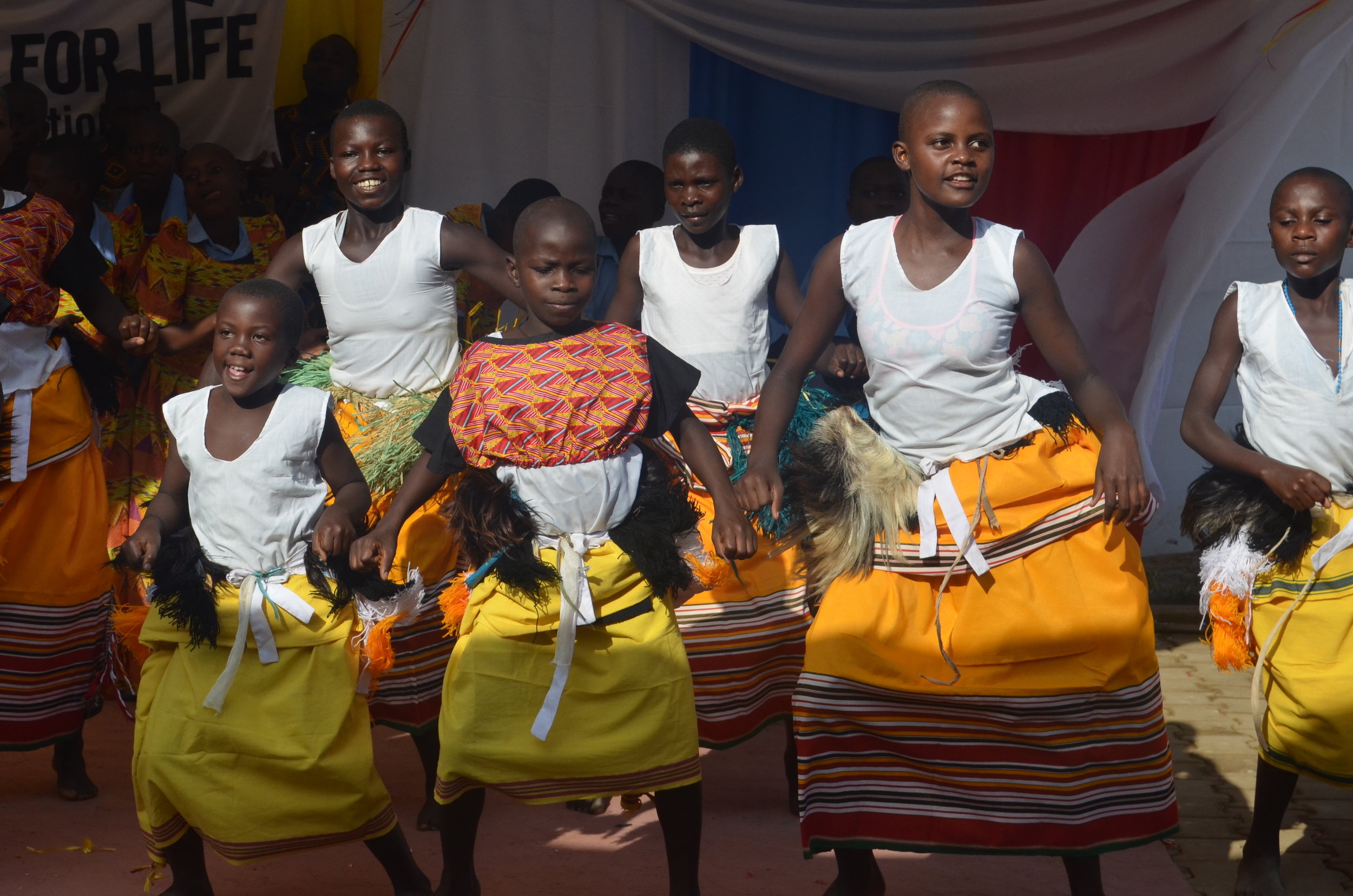 EXPERIENCE LOCAL <BR>  ENTERTAINMENT AND <BR> CULTURAL DANCE SHOWS