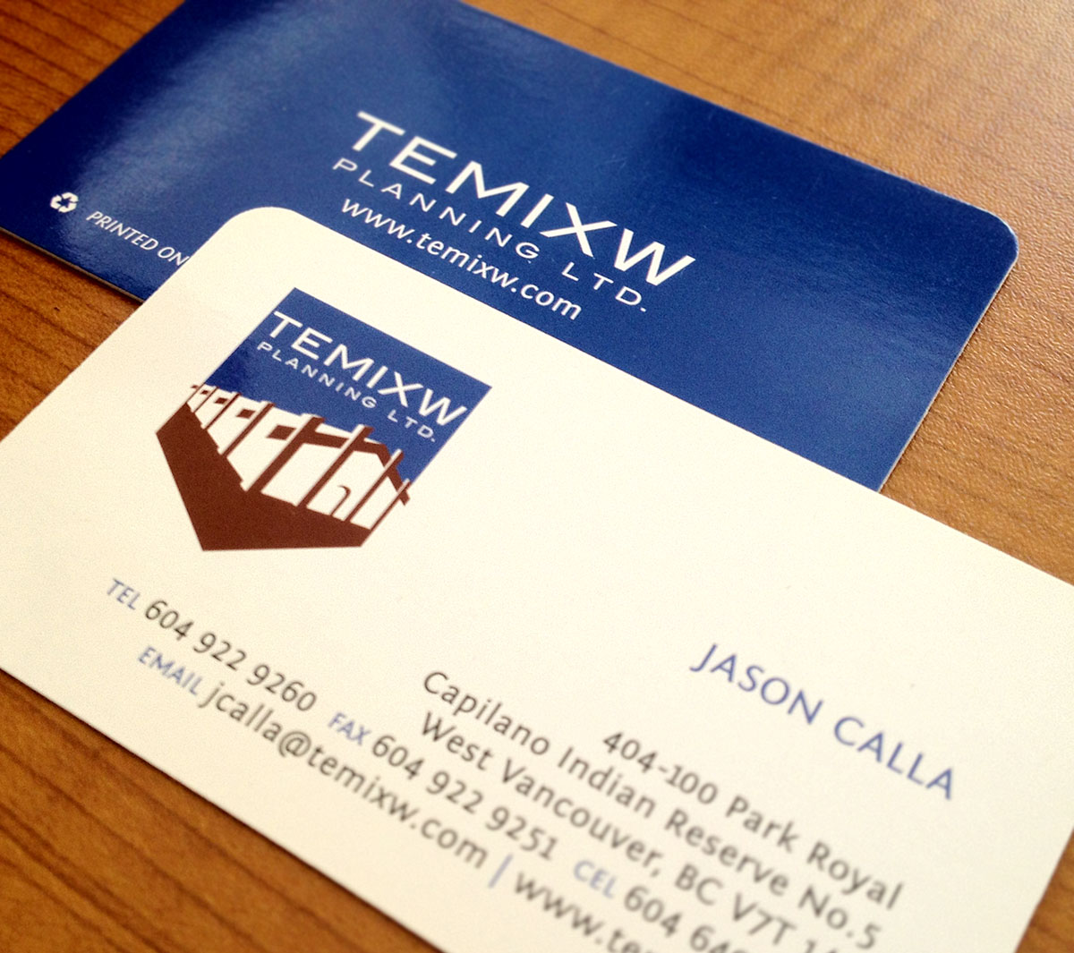 Die-cut rounded corner cards for Jason Calla at Temixw.
