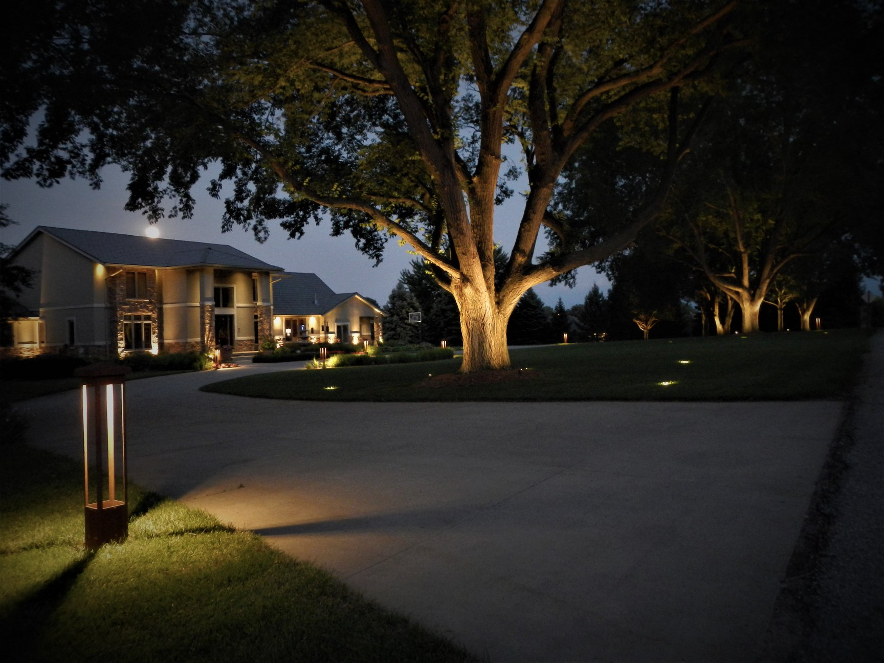 House and Landscape Lighting Omaha
