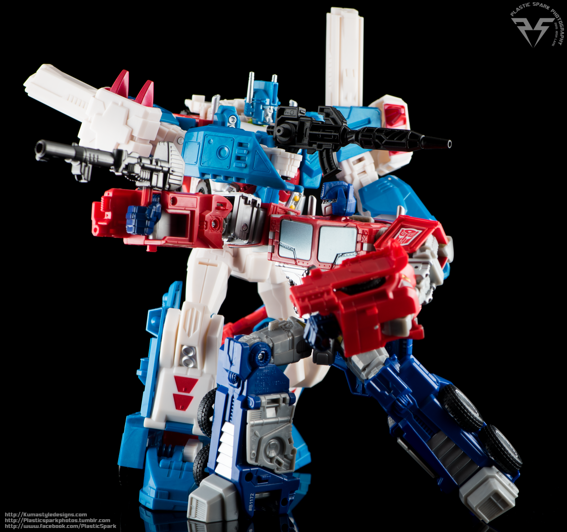 Combiner-Wars-Optimus-Prime-(7-of-19).png
