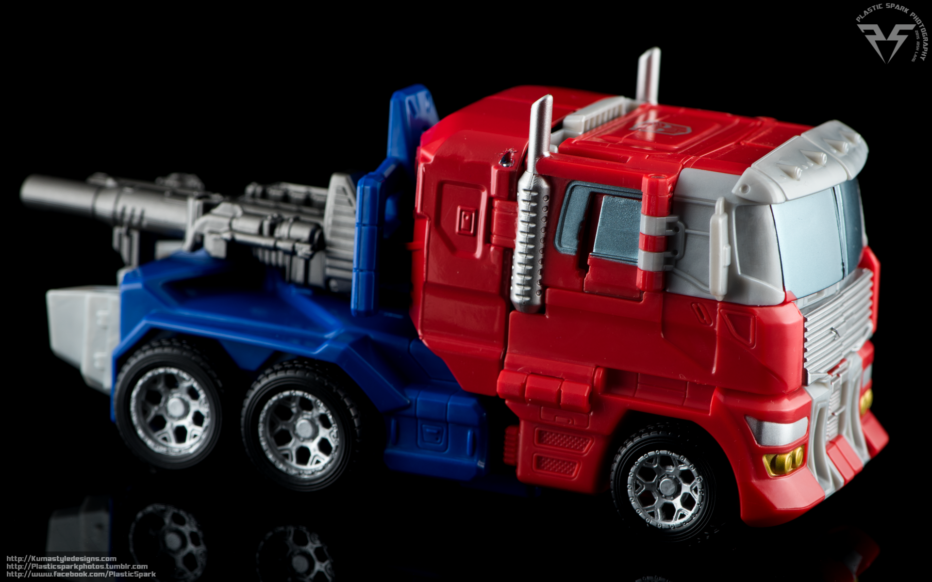 Combiner-Wars-Optimus-Prime-(12-of-19).png